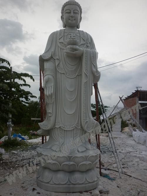 tuong-adida-dieu-khac-da-trang